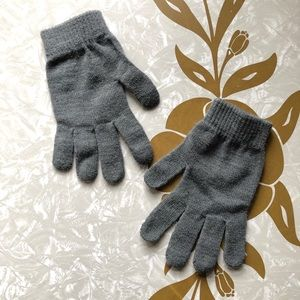 Wild Fable Target Gray Lightweight Knit Gloves